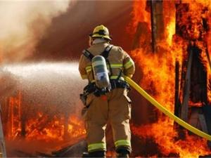 Къща и автомобил горяха в Златитрап и Раковски