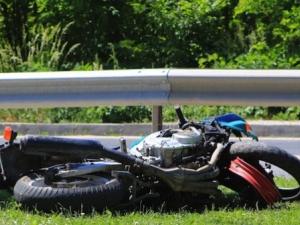 Моторист почина при катастрофа, блъснат от кола.