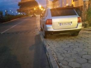 Пловдивски наглец окупира тротоар в Несебър