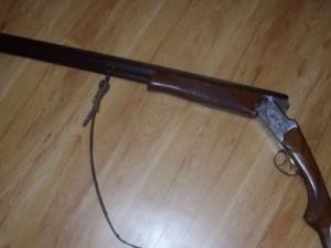 Авджия се простреля докато лъска пушката