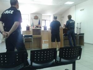 Само в TrafficNews.bg: 52 дни в изтрезвителя и 6 години забрани за феновете на Локо