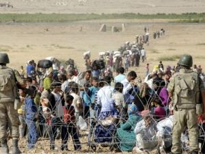 Стотици сирийски кюрди бягат към Турция