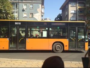 Невъзможно да качите детска количка в автобуси на градския транспорт