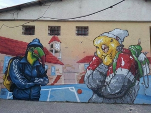 Графити артисти изрисуваха цяло училище в Пловдив
