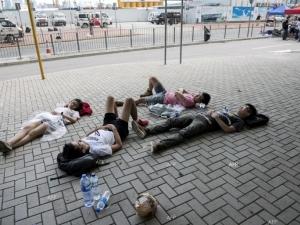Полицията за борба с безредиците се изтегля от улиците на Хонконг