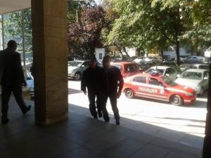 ЕКСКЛУЗИВНО в TrafficNews: Арестуваха фен на Ботев заради протестите пред Джамията СНИМКИ