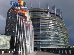 Посланиците на 28-те страни-членки на ЕС обсъждат смекчаване на санкциите срещу Русия