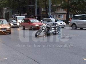 Рокер катастрофира в Пловдив! ВИДЕО и СНИМКИ