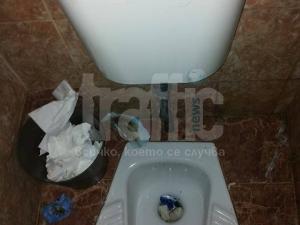 Голяма или малка е нуждата от нормални училищни тоалетни ВИДЕО