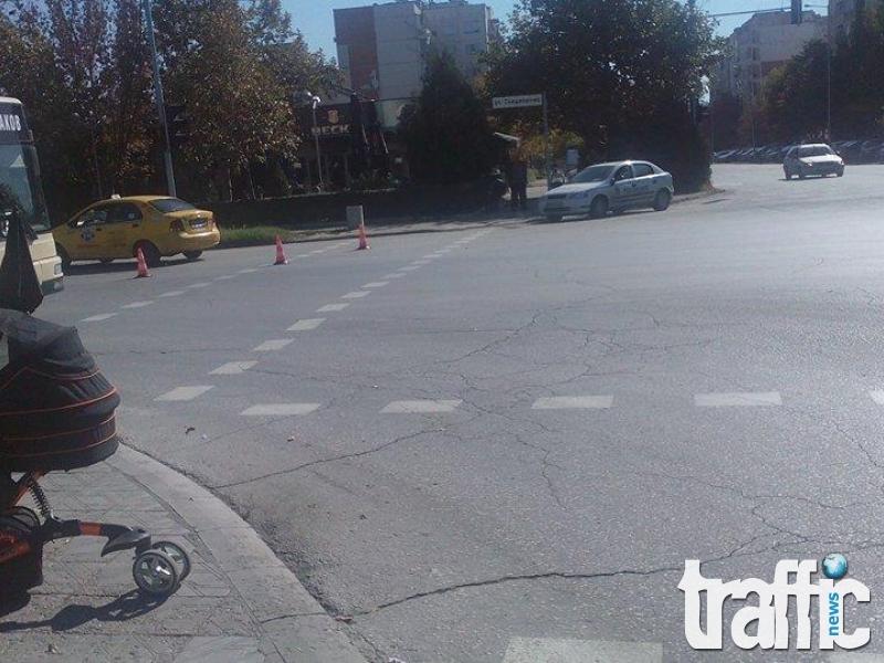 Такси блъсна пенсионер на пешеходна пътека в Пловдив