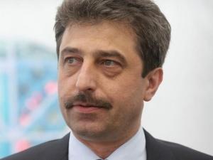 Г-н Искров трябваше да се противопостави на атаката срещу банката