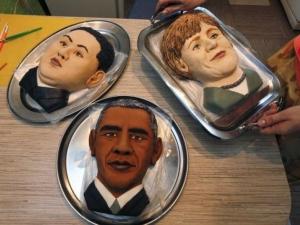 Торти с ликовете на Меркел, Обама и Ким Чен Ун