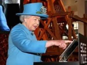 Британската кралица в туитър