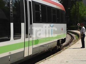 Само в TrafficNews.bg: Закъса мотрисата от Асеновград за Пловдив