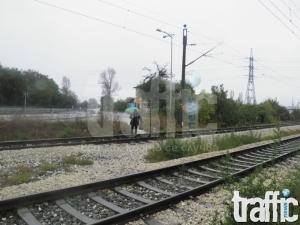 Абсурдно: Прелезът на Ягодовско шосе си остава необезопасен СНИМКИ