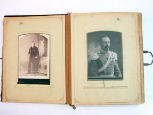 Уникални фотоси показват от днес в Историческия музей на Пловдив СНИМКИ