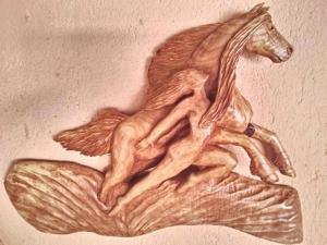 Уникални дърворезби на български автор СНИМКИ