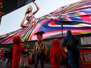 Най-големият цифров билборд светна в Ню Йорк