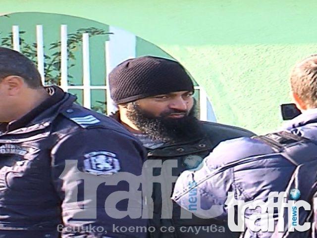Ходжата Муса Ахмед - вече с обвинение! СНИМКИ