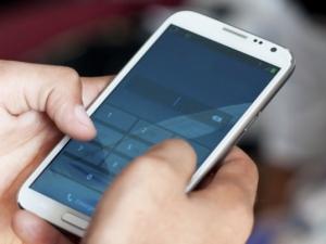 Нов тип екрани за смартфони ще пазят батерията по-дълго