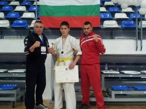 Пловдивчанин спечели среброто на Европейско първенство по киокушин