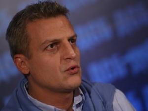 Москов впряга кметове и ромски лидери срещу нападенията над лекари
