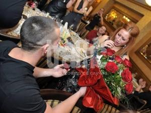 Момче направи невероятно предложение за брак ВИДЕО