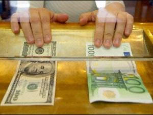 Eврото прескочи 100 рубли, доларът надмина 80!