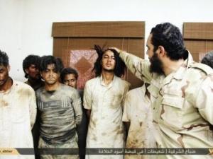 След зверство на джихадисти откриха гроб с над 200 трупа в него