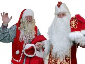 Дядо Коледа и Дядо Мраз се срещнаха