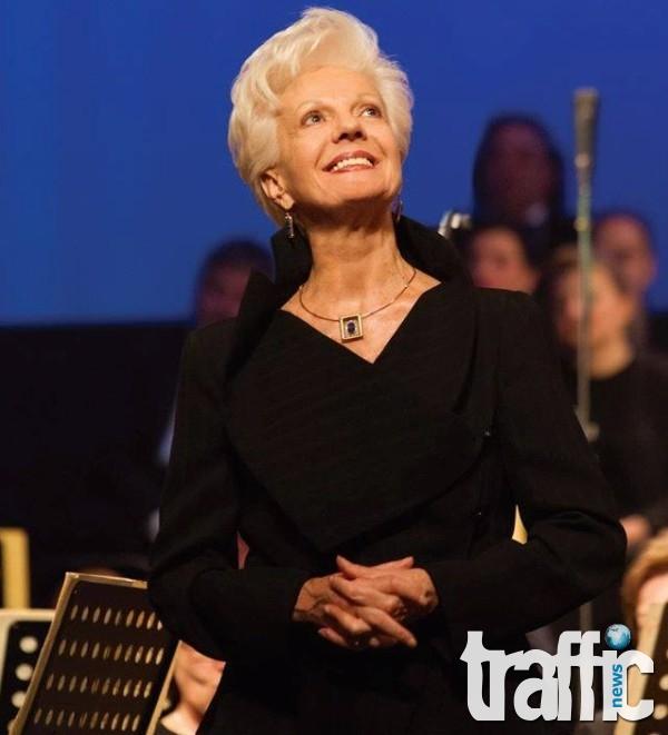 Великата Райна Кабаиванска на 80 години: Аз съм давала с много обич и ми се връща с много обич!