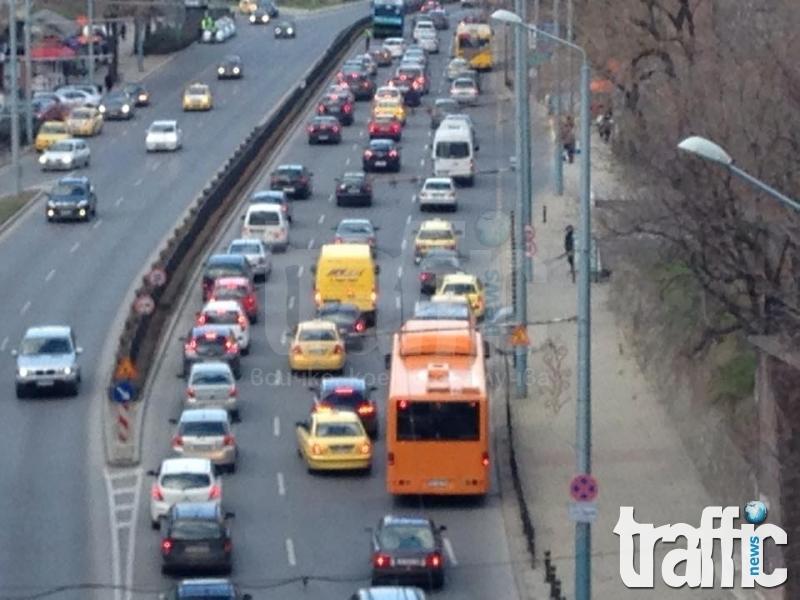Трафикът от птичи поглед в Пловдив! Ето го в първия работен ден от новата година СНИМКИ