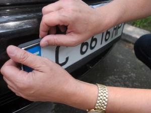 Вече ще могат да се постават номера на автомобилите и извън пунктовете на КАТ