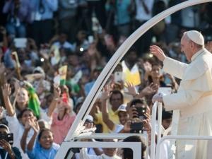 Папа Франциск събра рекорден брой богомолци на Филипините