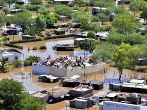 84 души загинаха, а 13 000 жилища са унищожени от наводнение