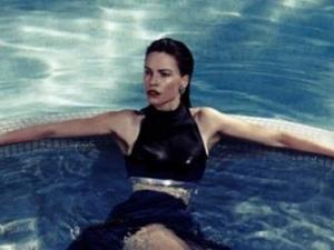 Актрисата Хилари Суонк се съблече за немско списание