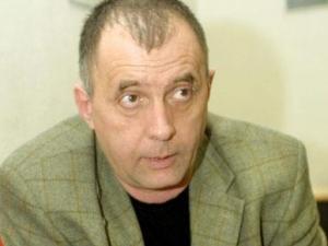 Нарязаха гумите на Георги Коритаров