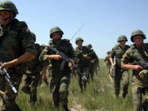 Украинските власти: 1500 руски войници са влезли в Украйна през уикенда