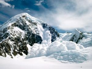 Има опасност от лавини в Пирин