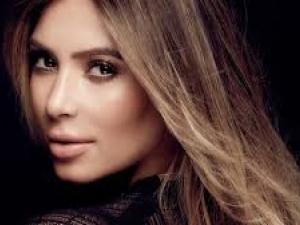 Палавата Ким Кардашиян с пикантни снимки в интернет 18+ СНИМКИ