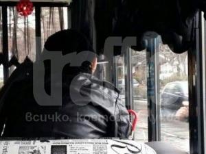 Въпреки забраната: Пушенето разрешено и през деня в пловдивските заведения СНИМКИ