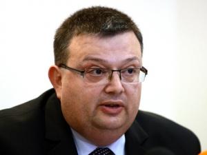 Депутатите приеха с резерви плана на Цацаров срещу бягството на осъдени