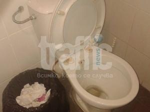 Така ли трябва да изглеждат тоалетните в Билла? СНИМКИ