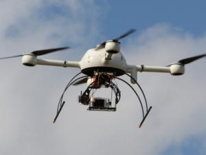 Издирват собствениците на мистериозни дронове във Франция