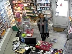 Само в TrafficNews.bg: Ето баровката Августина, която краде от аптека в центъра