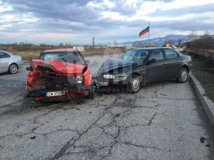 Трима в болница заради тежка верижна катастрофа на Асеновградско шосе! СНИМКИ и ВИДЕО