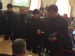 Арестуваха двама украински депутати за злоупотреба с държавни поръчки