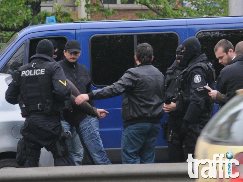 Полицията разби престъпна група за кражби в цялата страна