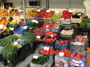 """На пазарите в Пловдив: Турска стока с табелка """"българска"""" ВИДЕО"""