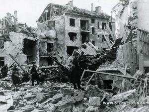 30 март 1944 г. -600 самолета бомбардират София